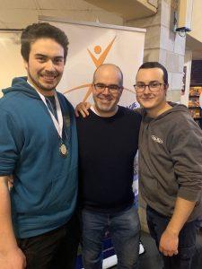 Électricité : Justin Beaubien, médaille de bronze; Mathieu Robert, enseignant; Antoine Michaud, 4e position.